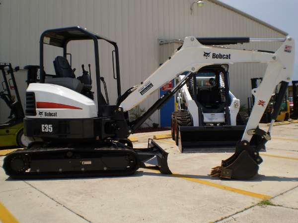 Where to find BOBCAT E35 EXCAVATOR in New Orleans